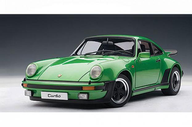 Autoart Porsche 911 930 Turbo 3.0 Green