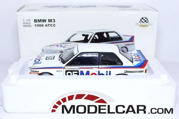Autoart BMW M3 coupe e30 White