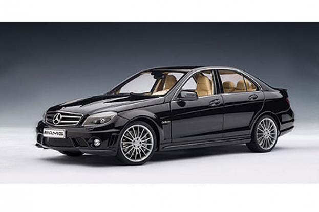 Autoart Mercedes C63 AMG W204 Black