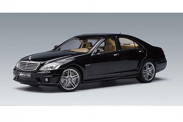 Autoart Mercedes S63 AMG W221 Black