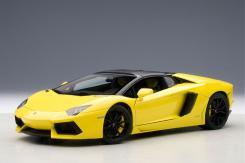 AUTOart Lamborghini Aventador LP700-4 Roadster Giallo Orion 74699
