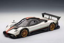 AUTOart Pagani Zonda R 2007 White Italian Stripes 78262