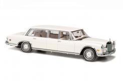 CMC Mercedes-Benz 600 Pullman White Swan M-215
