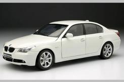 Kyosho BMW 545i e60 White