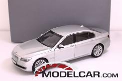 Kyosho BMW 750 Li f02 silver dealer edition