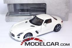 Minichamps Mercedes SLS AMG White