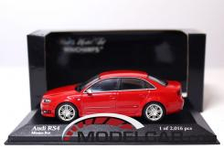 Minichamps Audi RS4 sedan B7 Red